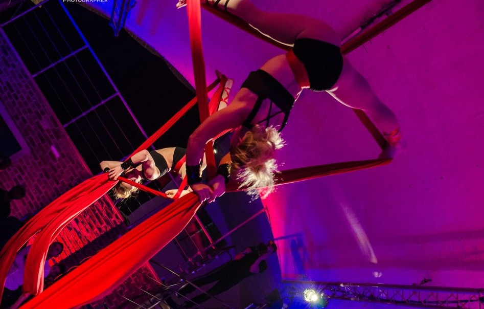 Hire best Aerialists Aerial Silks London