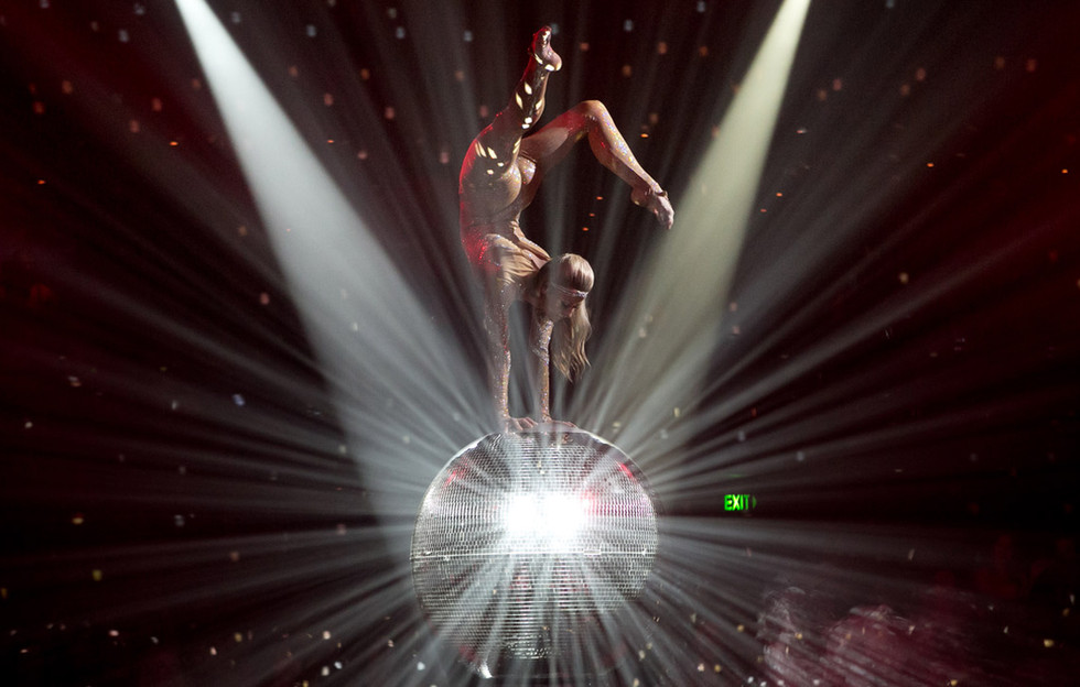 Book mirrorball acrobat act London
