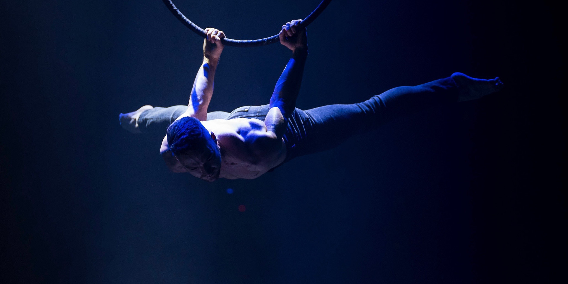 Hire best Aerialists UK
