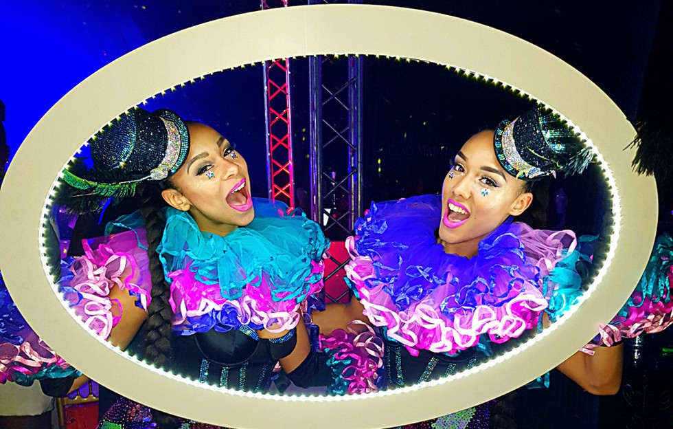 Circus Walkabout Acts for Hire