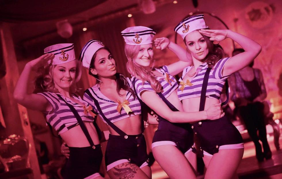 Book best cabaret show dancers for event