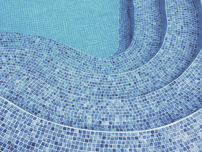 Entretien de piscine à Perigueux SAV piscine dordogne nettoyage changement de liner de piscine