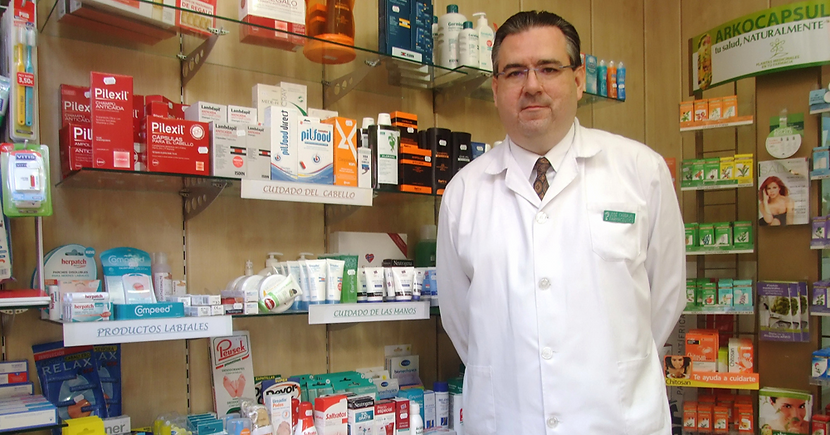 farmacia Albacete, doctor en farmacia, carbajal, profesional farmacéutico