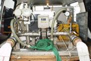 漏水調査の電磁流量測定に使用する機械