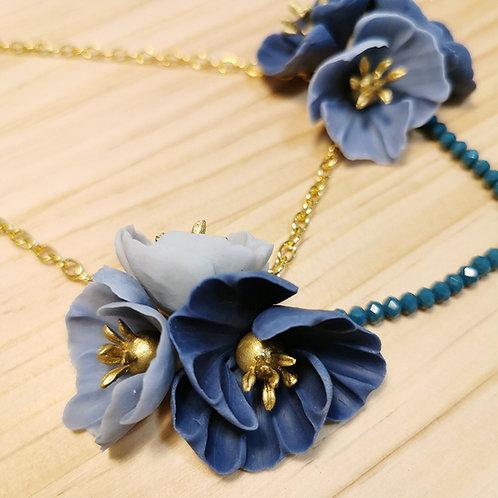 Collar Flores azul oscuro F128