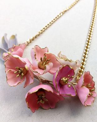 collares de flores taneke