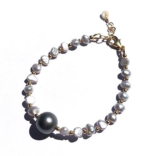 Gray Keshi Pearl and Tahitian Pearl Bracelet