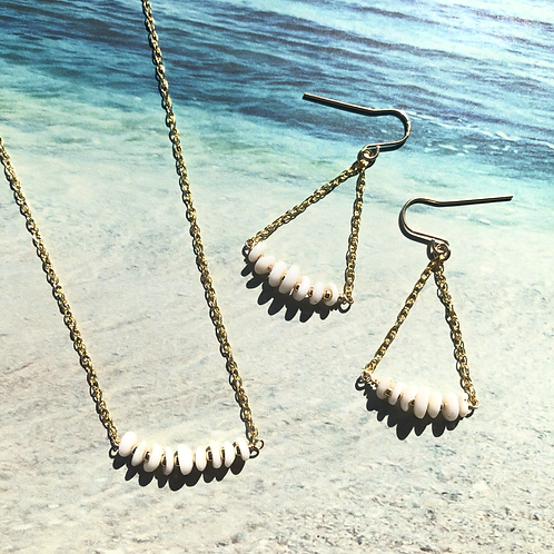 14KGF Puka Shell Bar Necklace