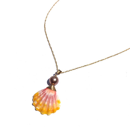 Hawaiian Sunrise Shell with Pink Edison Pearl Necklace (2)
