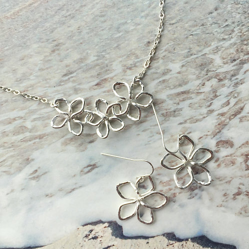 Sterling Silver 3 Plumerias Link Necklace