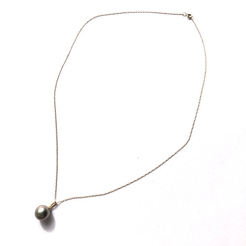 14K Yellow Gold with AAA 10mm Tahitian Pearl necklace