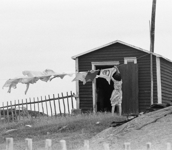 Hanging the wash on the line, Tilting, 1974