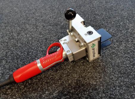 Akumulátorový střižný nástroj