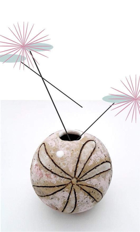 bead bud vase