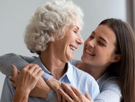 Como cuidar de parentes idosos: dicas para cuidadores