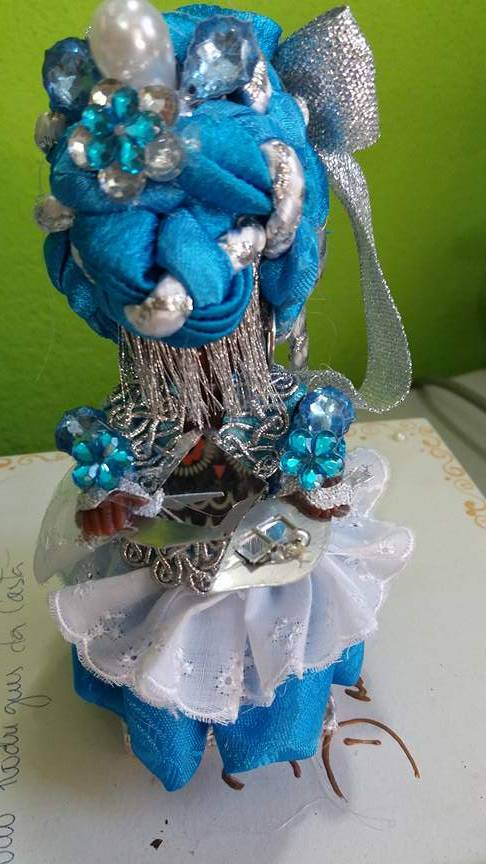 ORIXA IEMANJÁ azul e branco