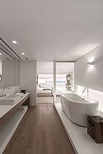 Bathroom 10.jpg