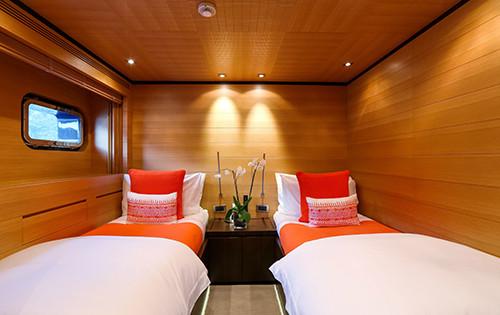 Motor yacht MISCHIEF - Twin cabin.jpg