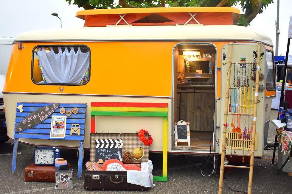 caravane booth.jpg