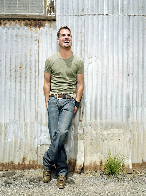 George Eads Wearing a Tshirt & Jeans