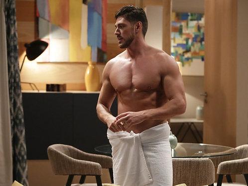 Angelo Rodrigues Shirtless