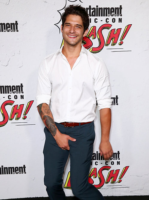 Tyler Posey Acting Silly at ComiCom