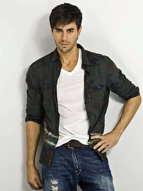 Enrique Iglesias Wearing a Camo Shirt