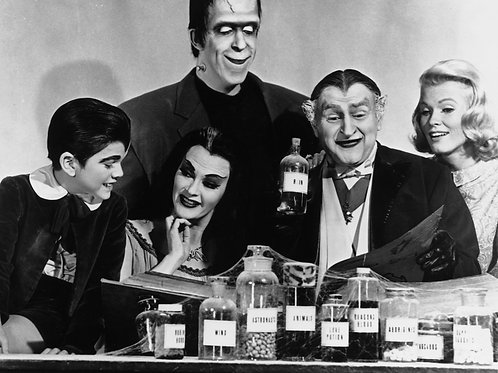 Cast of the Munsters in Grandpas Lab