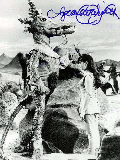 Angela Cartwright in Lost in Space with a Dragon