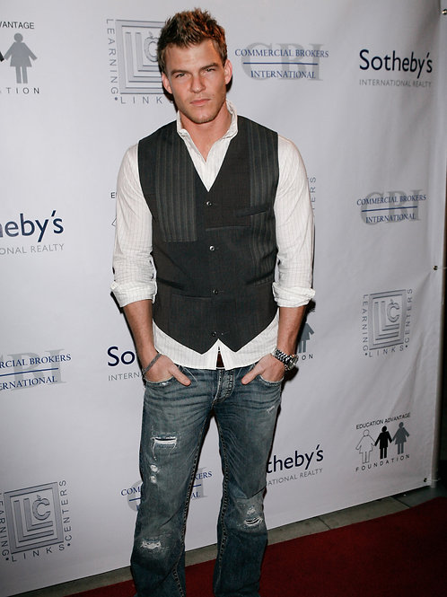 Alan Ritchson Wearing Tight Torn Jeans
