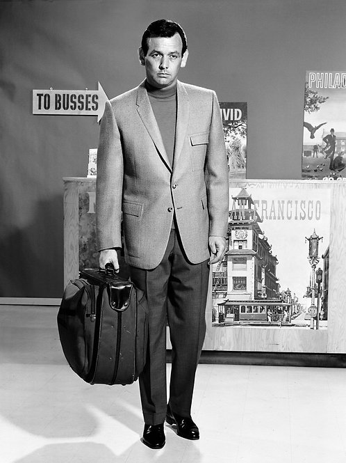 David Janssen at a Bus Station in the Fugitive
