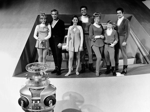 Cast of Lost in Space on the Jupiter 2 Soundstage