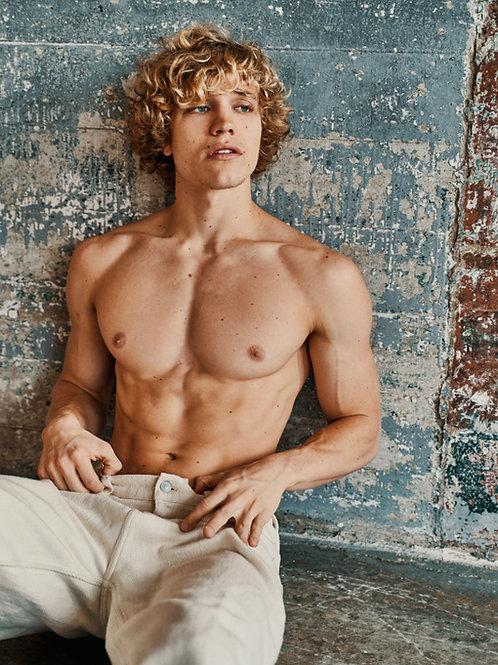 Owen Lindberg Shirtless
