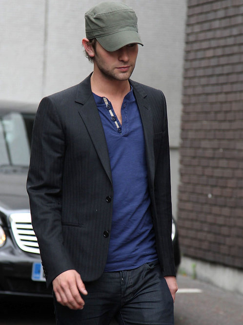 Chace Crawford in London Bulging in his Jeans