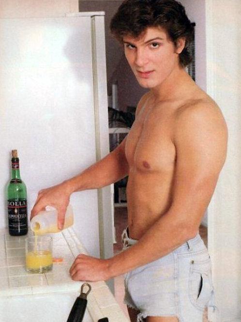 Young Bulging Shirtless Jeff Yagher