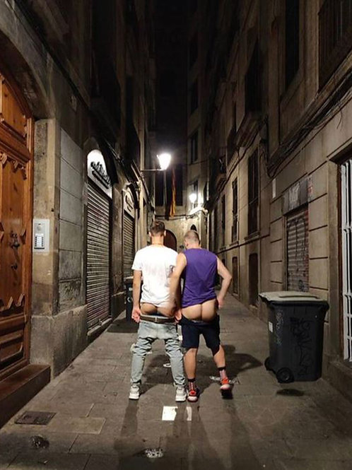 2 Bums in an Alley