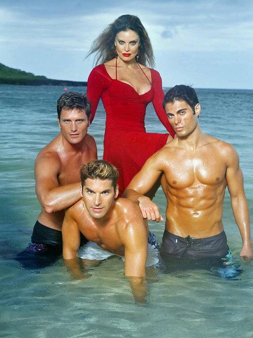 Dantes Cove Cast Posing in the Ocean