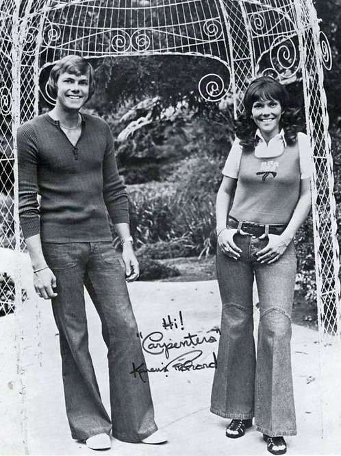 Karen Carpenter & Richard Carpenter in Garden
