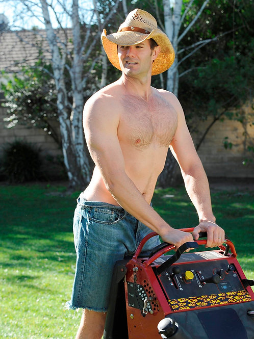 Garret Dillahunt Cutting the Lawn