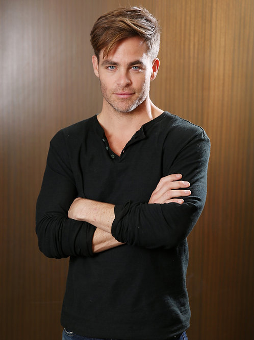 Chris Pine with a Slight Beard Scruff