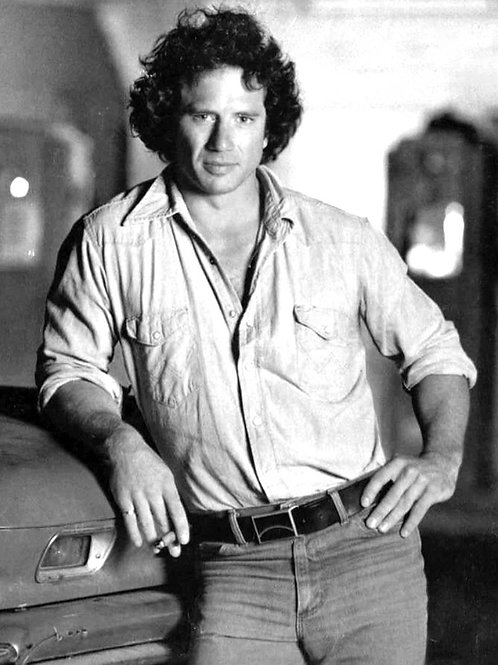 Tom Wopat Bulging Left in his Tight Jeans