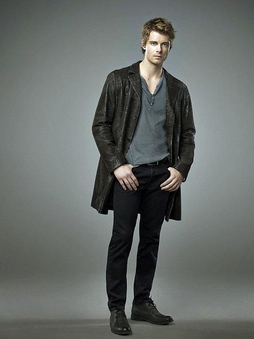 Handsome Luke Mitchell