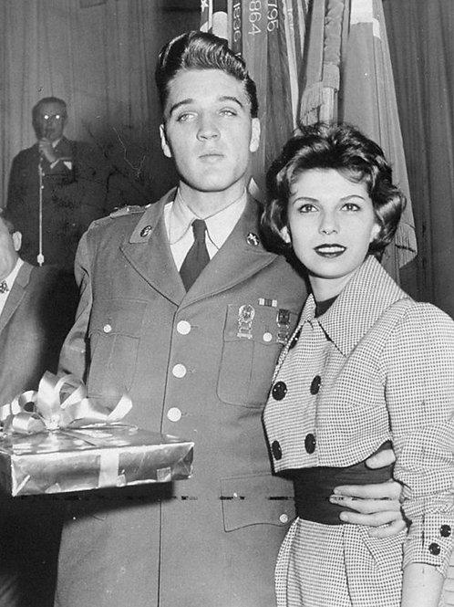 Elvis Presley with Nancy Sinatra in 1960