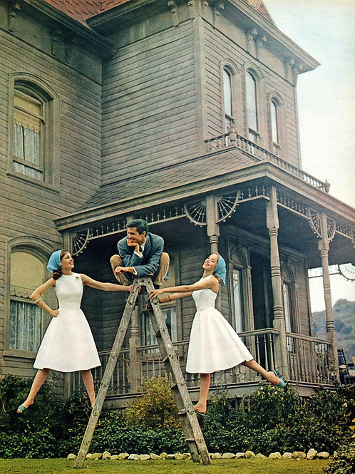 Anthony Perkins in a Photo by the Psycho House