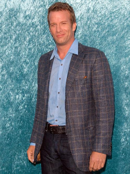 Thomas Jane Bulging in his Blue Jeans
