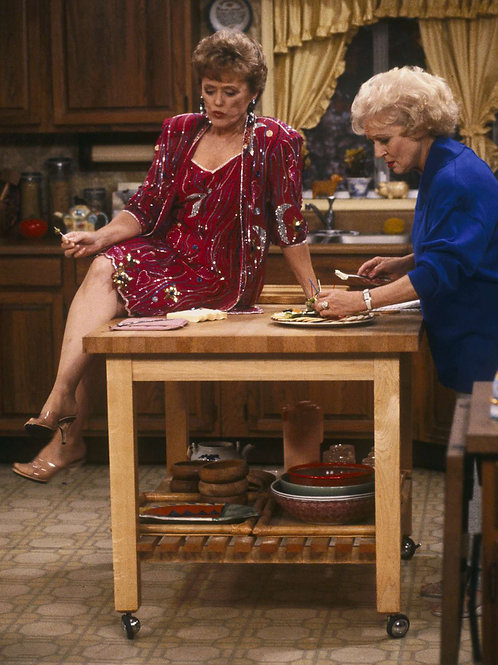 Betty White & Rue McClanahan in the Kitchen of the Golden Girls