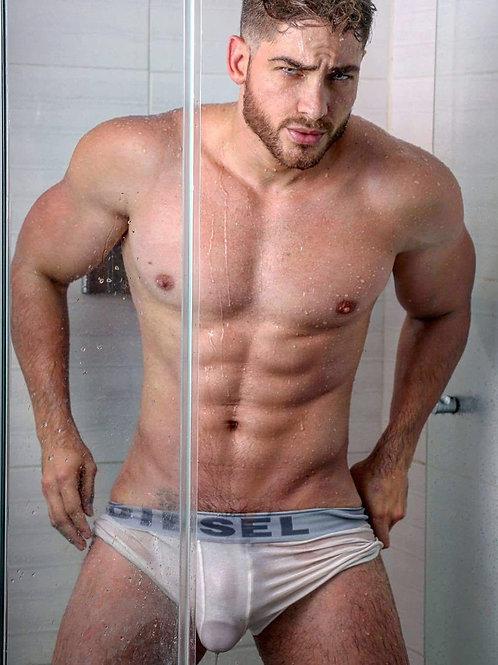 Henry Licett Showering