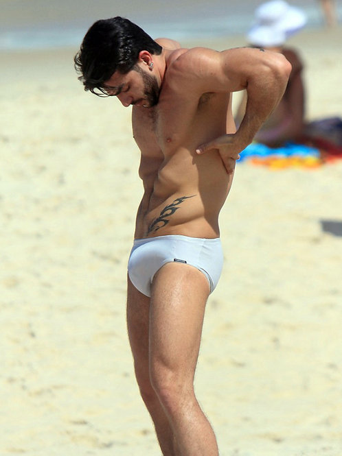Marc Jacobs at the Beach Sporting an Enormous Bulge in his Speedo