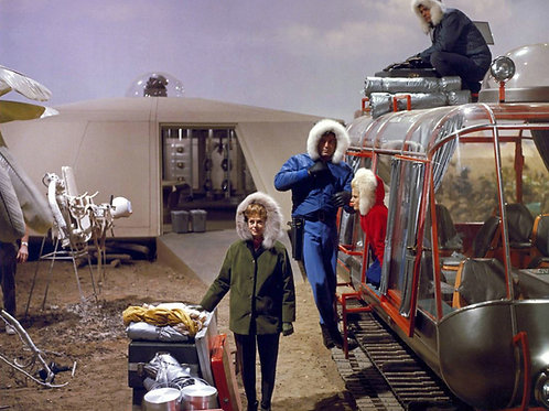 Cast of Lost in Space Filming Loading the Chariot