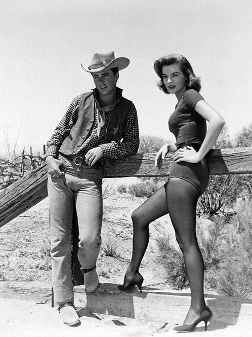 Bulging Ricky Nelson & Angie Dickinson in Rio Bravo
